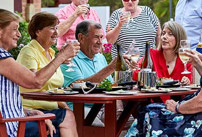 davistown-retirement-happyhour